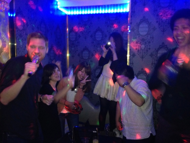 1am karaoke in shinjuku