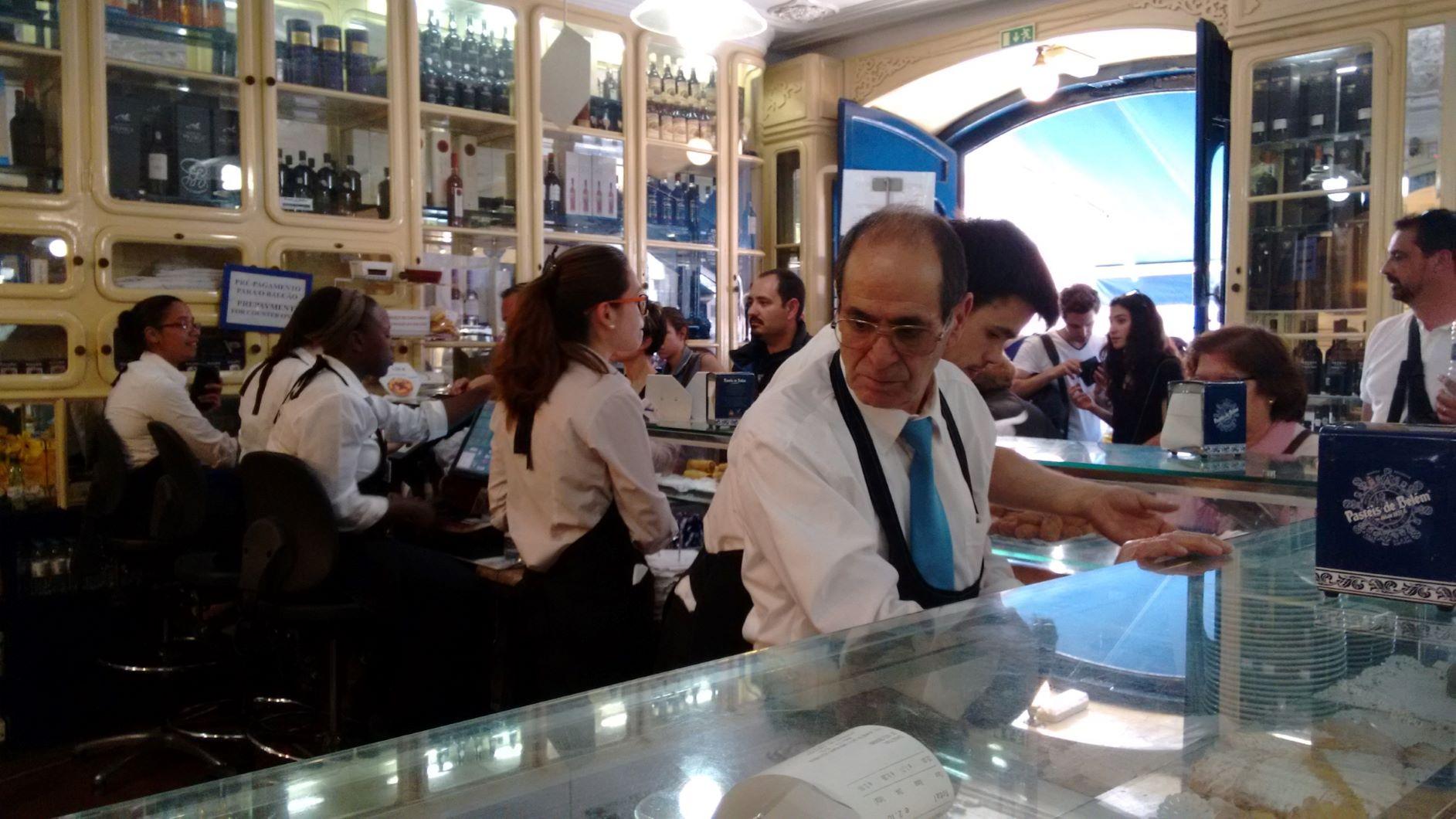 pasteis de nata place in lisbon
